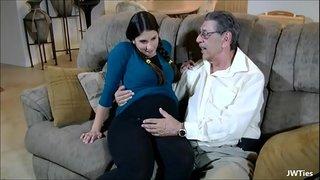 رجل عجوز مع فتاه مراهقه أفلام xxx الساخنة على Www.beautypornvids.com